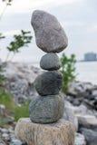 Rocas de la balanza Fotos de archivo
