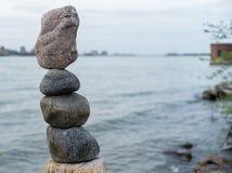 Rocas de la balanza Fotografía de archivo