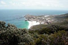 Rocas de la costa del océano Imagen de archivo libre de regalías