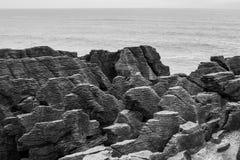 Rocas de la crepe 2 (blancos y negros) Foto de archivo libre de regalías
