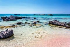 Rocas de la orilla en la playa de Elafonisi crete Grecia imagen de archivo libre de regalías