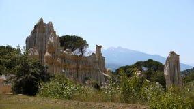 Rocas de la piedra arenisca de los organpipes del sur Tet, Francia de Ille almacen de metraje de vídeo