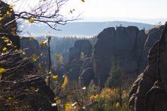 Rocas de la piedra arenisca del otoño Fotos de archivo