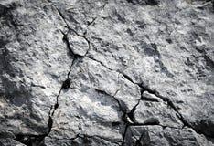 Rocas de la piedra caliza con las grietas Imagenes de archivo