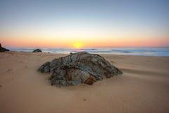 Rocas de la salida del sol imagen de archivo libre de regalías