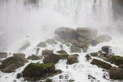 Rocas de Niagara Falls Imágenes de archivo libres de regalías