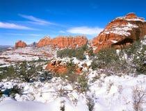 Rocas de Sedona Arizona y nieve rojas del invierno Fotografía de archivo libre de regalías