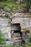 Rocas del barranco de Maligne Fotos de archivo