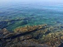 Rocas del mar fotos de archivo