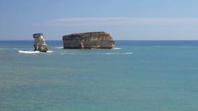 Rocas del océano almacen de metraje de vídeo