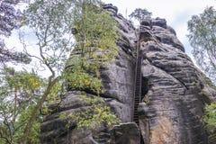 Rocas del teplice de Adrspach Fotos de archivo libres de regalías