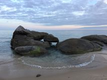 Rocas del zen en el mar Fotos de archivo