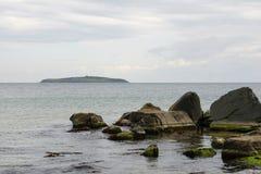 Rocas e isla - 3 Imágenes de archivo libres de regalías
