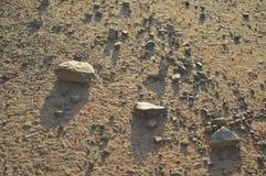 Rocas en asfalto Foto de archivo