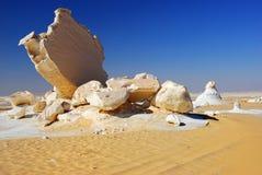 Rocas en el desierto blanco Imágenes de archivo libres de regalías
