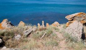 Rocas en el Mar Negro Imagen de archivo libre de regalías