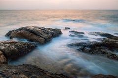 Rocas en el océano Imagen de archivo libre de regalías