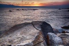 Rocas en el océano Fotos de archivo libres de regalías
