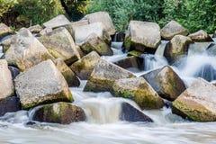 Rocas en el río Foto de archivo