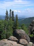 Rocas en el taiga siberiano La reserva de naturaleza Stolby 2 Fotos de archivo
