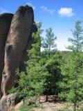 Rocas en el taiga siberiano La reserva de naturaleza Stolby 5 Imagen de archivo libre de regalías