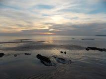 Rocas en la arena Fotos de archivo