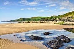 Rocas en la bahía, Dumfries y Gallloway de Killantringan Fotografía de archivo libre de regalías