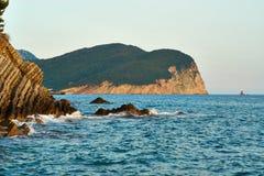 Rocas en la costa Imagenes de archivo