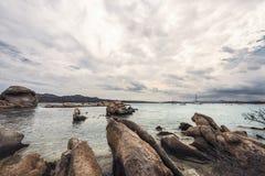 Rocas en la costa de Cerdeña imagen de archivo libre de regalías
