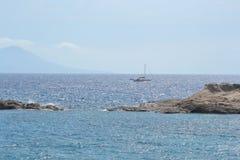 Rocas en la orilla del Mar Egeo Imagenes de archivo