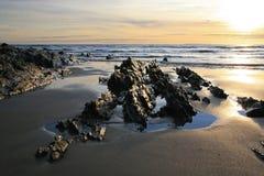 Rocas en la playa imagen de archivo
