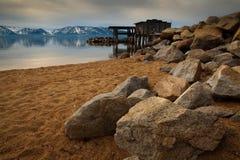 Rocas en la playa Imagenes de archivo