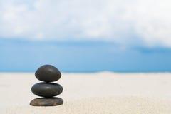 Rocas en la playa Imagen de archivo libre de regalías