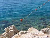 Rocas en la playa croata Imágenes de archivo libres de regalías