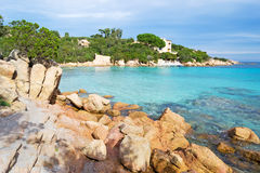 Rocas en la playa de Capriccioli Foto de archivo libre de regalías