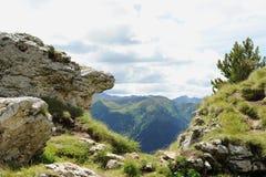 Rocas en las montañas Fotos de archivo libres de regalías