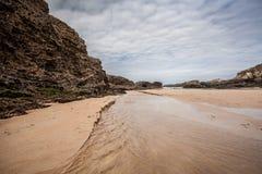 Rocas en los paisajes de la playa y de la costa Fotografía de archivo libre de regalías