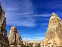 Rocas espectaculares que se colocan en cappadocia Foto de archivo