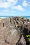Rocas hermosas en la playa de la isla de Digue del La Imágenes de archivo libres de regalías