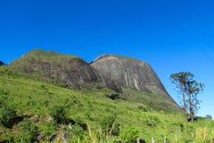 Rocas lisas de la montaña, el Brasil Imagenes de archivo