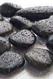 Rocas mojadas del río Foto de archivo libre de regalías