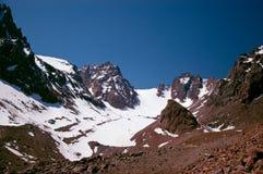 Rocas nevadas foto de archivo