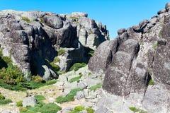 Rocas pintorescas Serra da Estrella. , Portugal Imágenes de archivo libres de regalías