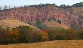 Rocas rojas en barranca en la caída Fotografía de archivo libre de regalías