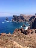 Rocas volcánicas en Madeira imagenes de archivo