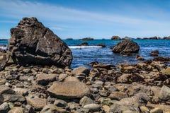 Rocas y agua Foto de archivo libre de regalías