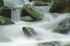 Rocas y agua Imagen de archivo libre de regalías