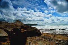 Rocas y cielo Imagenes de archivo