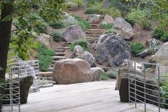 Rocas y escaleras Foto de archivo libre de regalías