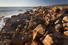 Rocas y océano Fotos de archivo